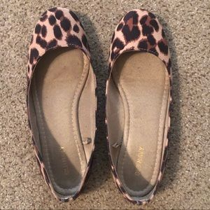 Old Navy Leopard Rounded Toe Ballet Flats